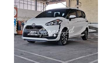 2017 Toyota Sienta V