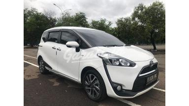 2019 Toyota Sienta V