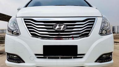 2015 Hyundai H-1 Elegance - Mobil Pilihan (s-1)