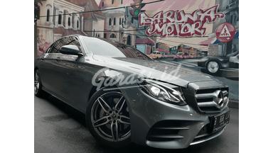 2017 Mercedes Benz E-Class E 300 AMG LINE - Like New