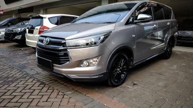 2018 Toyota Kijang Innova Venturer 2.0 - Mobil Pilihan