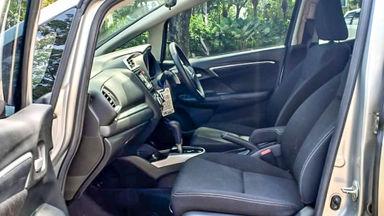 2014 Honda Jazz RS - Mobil Pilihan (s-4)