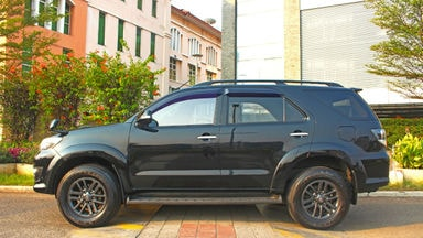 2015 Toyota Fortuner G VNT - ada record service toyota (s-2)