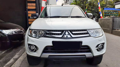 2014 Mitsubishi Pajero Sport Dakar - Mobil Pilihan