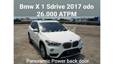 2017 BMW X1 panoramic