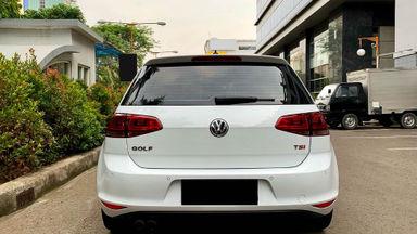 2017 Volkswagen Golf TSI - Mobil Pilihan (s-2)