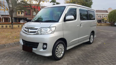 2013 Daihatsu Luxio X - Mobil Pilihan