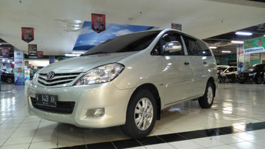 2011 Toyota Kijang Innova E+ - Barang Bagus Siap Pakai (s-0)