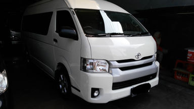 2014 Toyota Hiace mt - MESIN OK