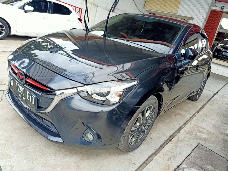 2015 Mazda 2 R