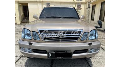 2000 Toyota Land Cruiser cygnus V8