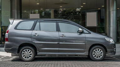 2014 Toyota Kijang Innova V 2.0 - Mobil Pilihan (s-2)