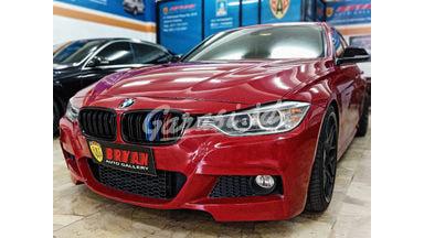 2012 BMW 3 Series 320i SPORT LINE