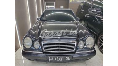 1997 Mercedes Benz E-Class E320