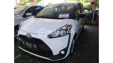 2016 Toyota Sienta E