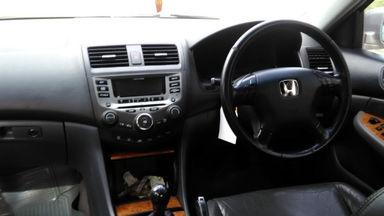 2004 Honda Accord Vti-L - Kondisi siap pakai (s-2)