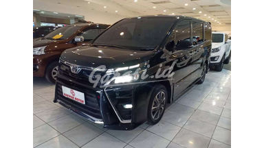 2019 Toyota Voxy 2.0 AT - Km Rendah Antik
