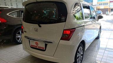2013 Honda Freed E PSD AT - Good Condition (s-7)