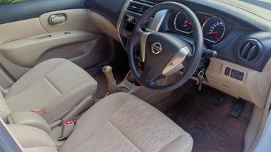 2014 Nissan Grand Livina SV - Mobil Pilihan (s-4)
