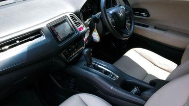 2015 Honda HR-V E 1.5 - Mobil Pilihan (s-5)