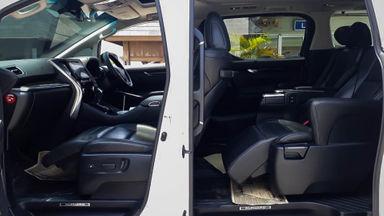 2015 Toyota Alphard SC Audioless - Mobil Pilihan (s-5)