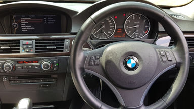 2012 BMW 3 Series 320i Executive - E 90 LCI (s-12)