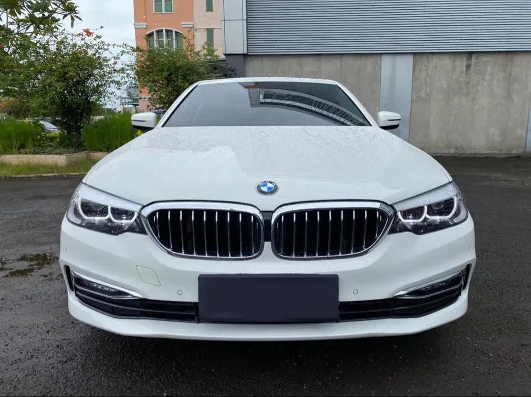 2018 BMW 5 Series 530i Luxury