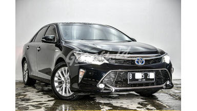 2017 Toyota Camry Hybrid 2.5 - Unit Siap Pakai