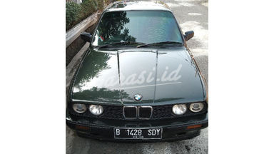 1991 BMW 3 Series E30 318i - Sangat Istimewa