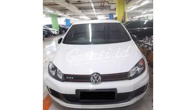 2010 Volkswagen Golf GTI - Siap pakai