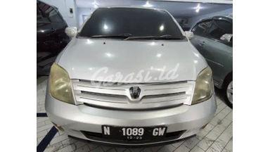 2004 Toyota Ist - Kredit Bisa Dibantu