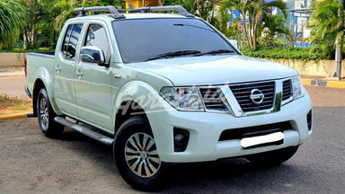 2012 Nissan Navara double cabin 4x4 - pajak panjang siap pakai