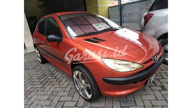 2001 Peugeot 206 mt - SIAP PAKAI!