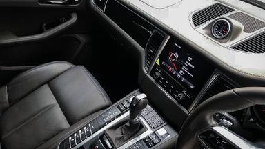 2017 Porsche Macan 2.0 Facelift - Mobil Pilihan (s-4)