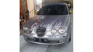 2000 Jaguar S-Type S - Barang Antik