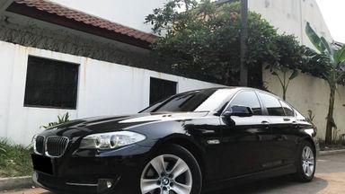 2013 BMW 5 Series 528i - Mobil Pilihan