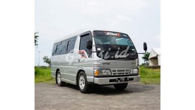 2017 Isuzu Elf Minibus Short New Armada - Sangat istimewa interior exterior