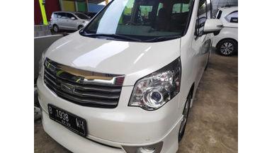 2013 Toyota Nav1 V - Barang Istimewa