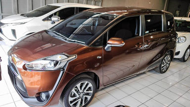 2016 Toyota Sienta 1.5 V CVT - Mobil Pilihan
