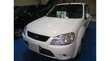 2011 Ford Escape XLT - SIAP PAKAI!
