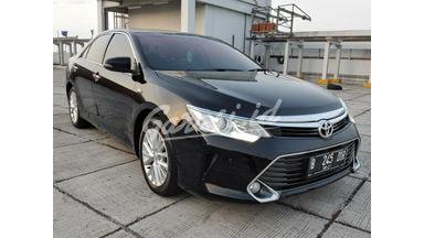 2016 Toyota Camry V - Mobil Pilihan
