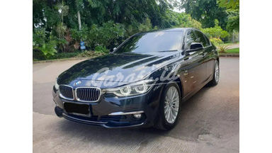 2019 BMW 3 Series 320i luxury - Siap pakai