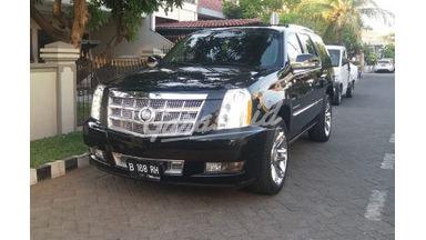2011 Cadillac Escalade platinum - Bekas Berkualitas