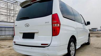 2015 Hyundai H-1 Elegance - Mobil Pilihan (s-2)