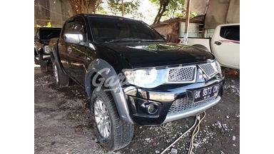 2010 Mitsubishi Strada Triton PICK UP 4X4 - Terawat Siap Pakai