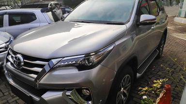2016 Toyota Fortuner VRZ 2.4 AT - Mobil Pilihan (s-0)