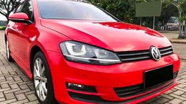 2014 Volkswagen Golf TSI - Mobil Pilihan