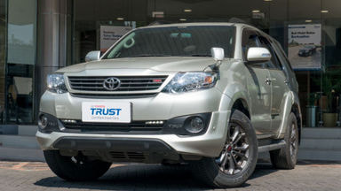 2014 Toyota Fortuner TRD - Free Service & Kualitas Terbaik