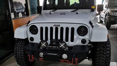 2011 Jeep Wrangler Sahara - Short Version (2 pintu)