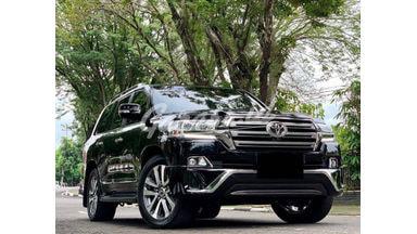 2017 Toyota Land Cruiser VX-R
